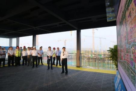 雄安集团邀请媒体及群众代表实地查看容东安置房项目进展